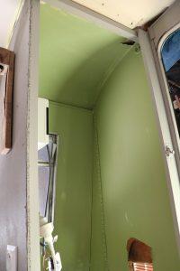 Première Couche Vert Olive De La Peinture Intérieure La Baravane